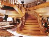 Какую лестницу для загородного дома выбрать?